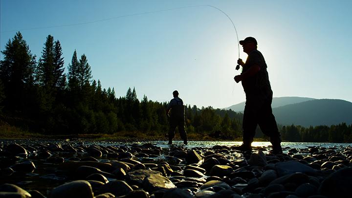portable fish finder fisherman