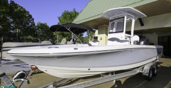 2019 Commercial – Robalo 246 Cayman