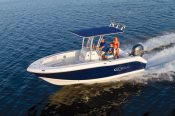 a couple and their child on a Robalo R200