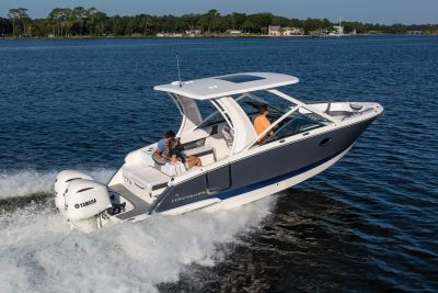 2022 Chaparral OSX: Outboard Luxur