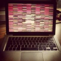 4.6 Glitch na Macbooku... a pěknej! Majiteli se samozřejmě už tolik nelíbil :)