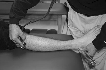 Utilizzo del diapason e dello stetoscopio per identificare una frattura