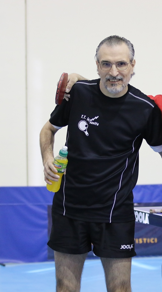 Un Mariano Cossellu felice dopo la vittoria nello spareggio salvezza (Foto Gianluca Piu)