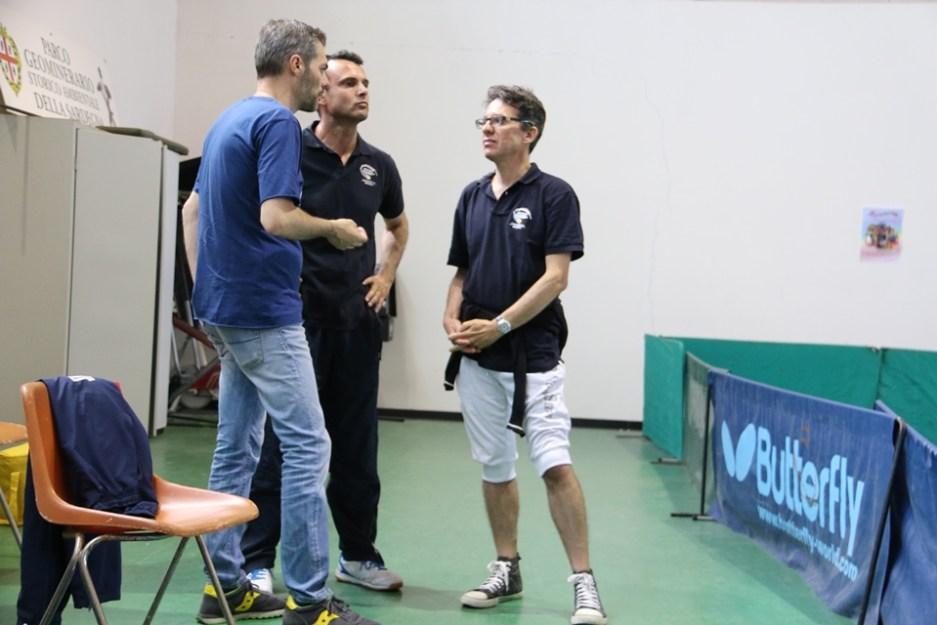 Al centro Gianluca Mattana con il presidente Carrucciu (Foto Gianluca Piu)