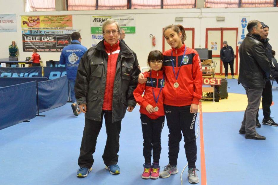 Francesca Seu e Alessandra Stori con il Presidente del Monterosello Pierpaolo Idini (Foto Luciano Saiu)