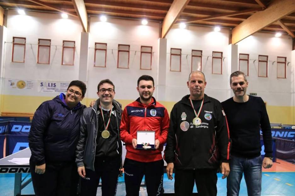 Il podio assoluto maschile (Foto Tomaso Fenu)