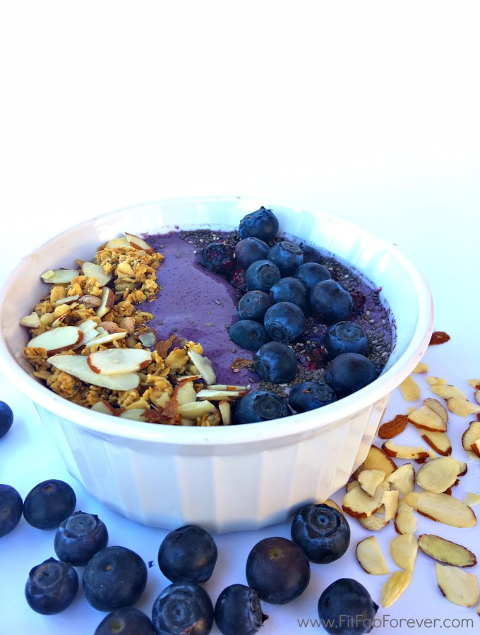 Boosting Blueberry Bowl for a Fit & Healthy Summer!