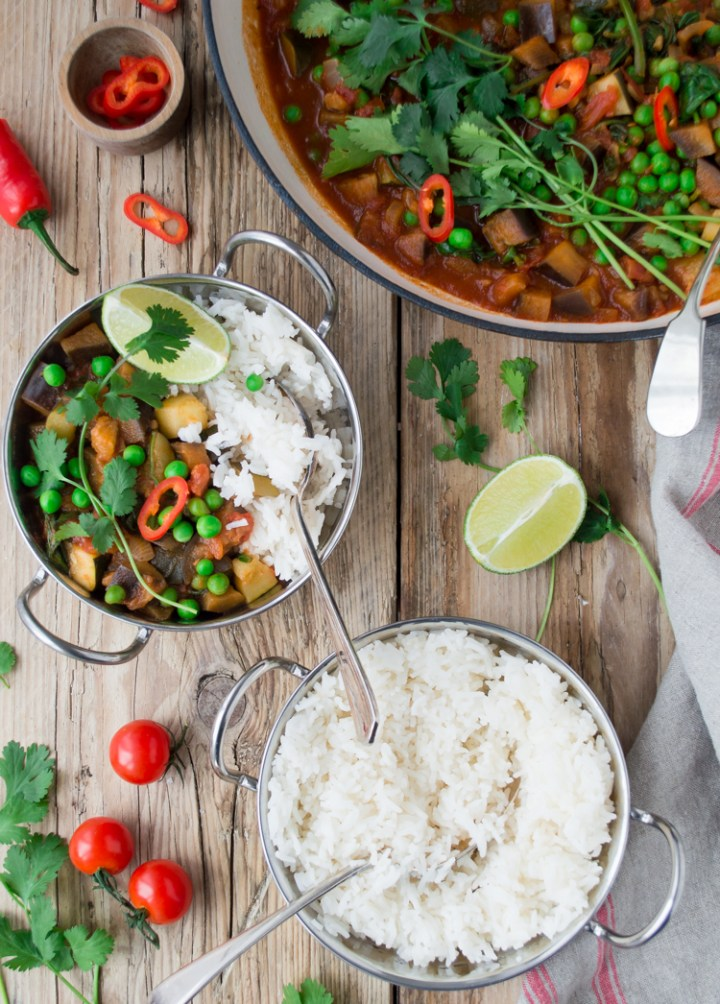 Easy family friendly vegan curry Tesco AD #vegan #vegandinner #comfortfood #meatfree #meatfreemonday #familymeal
