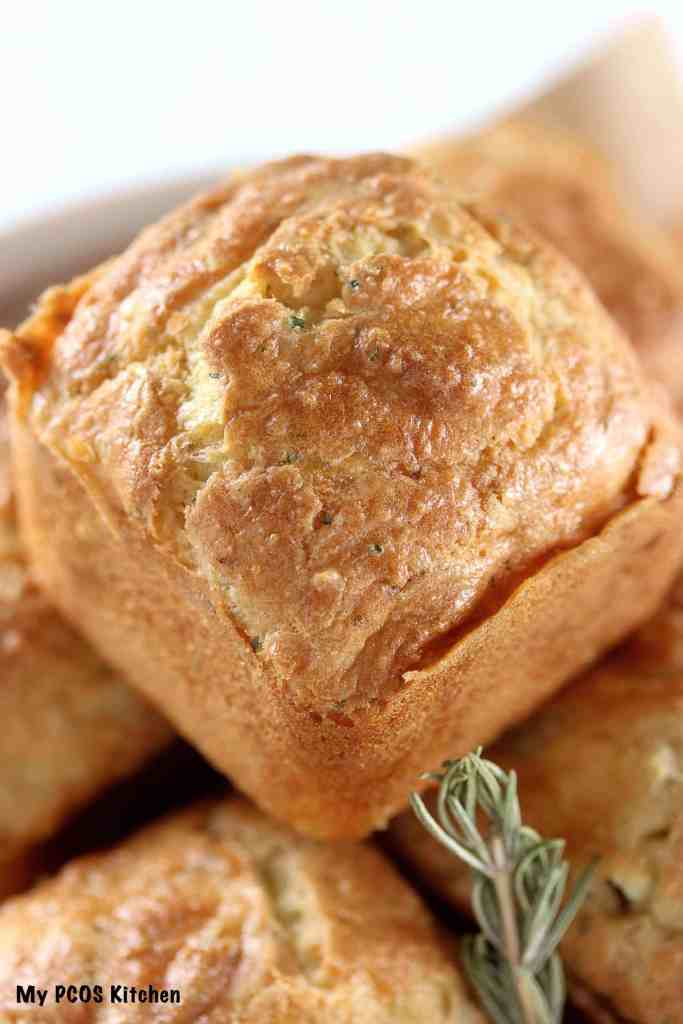 cheesy biscuits with rosemary
