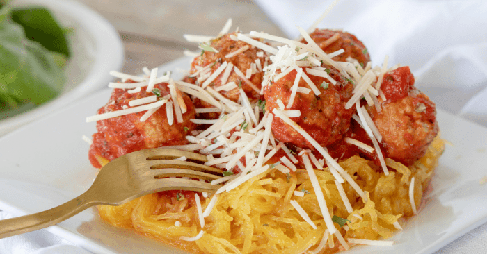 Spaghetti Squash and Meatballs Recipe