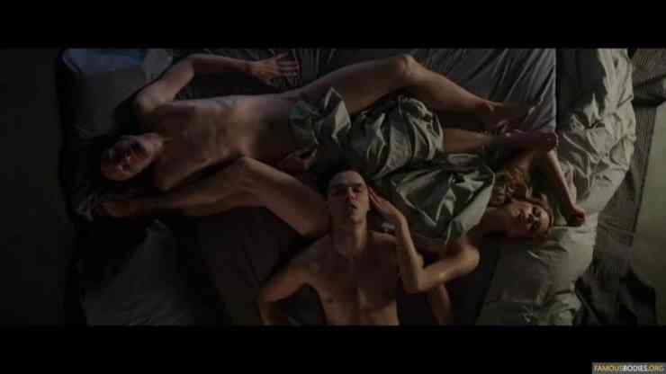 nicholas-hoult-shirtless-kyf-002