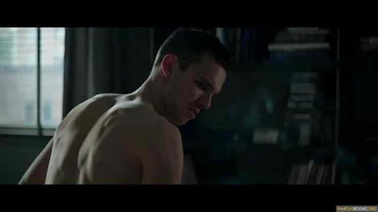 nicholas-hoult-shirtless-kyf-003