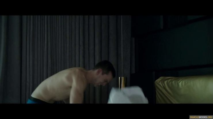 nicholas-hoult-shirtless-kyf-006