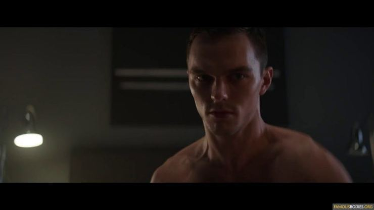 nicholas-hoult-shirtless-kyf-007