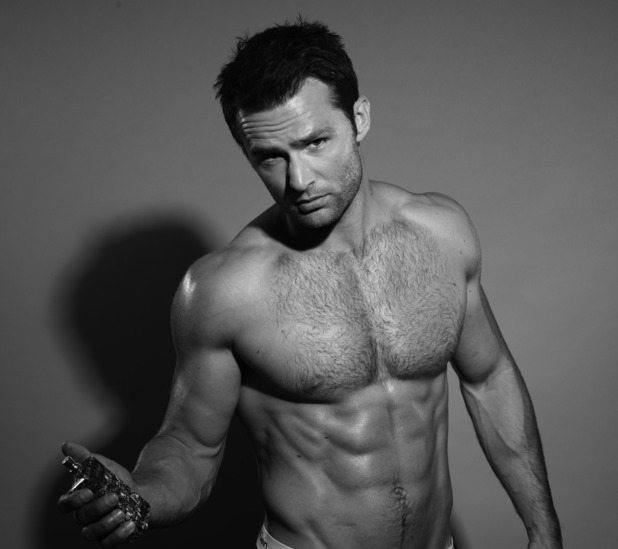showbiz-harry-judd-obfleshion-eau-de-walker-4
