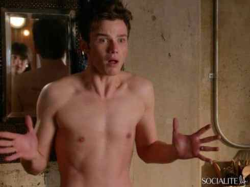 chris-colfer-shirtless-glee-11152013-lead-600x450