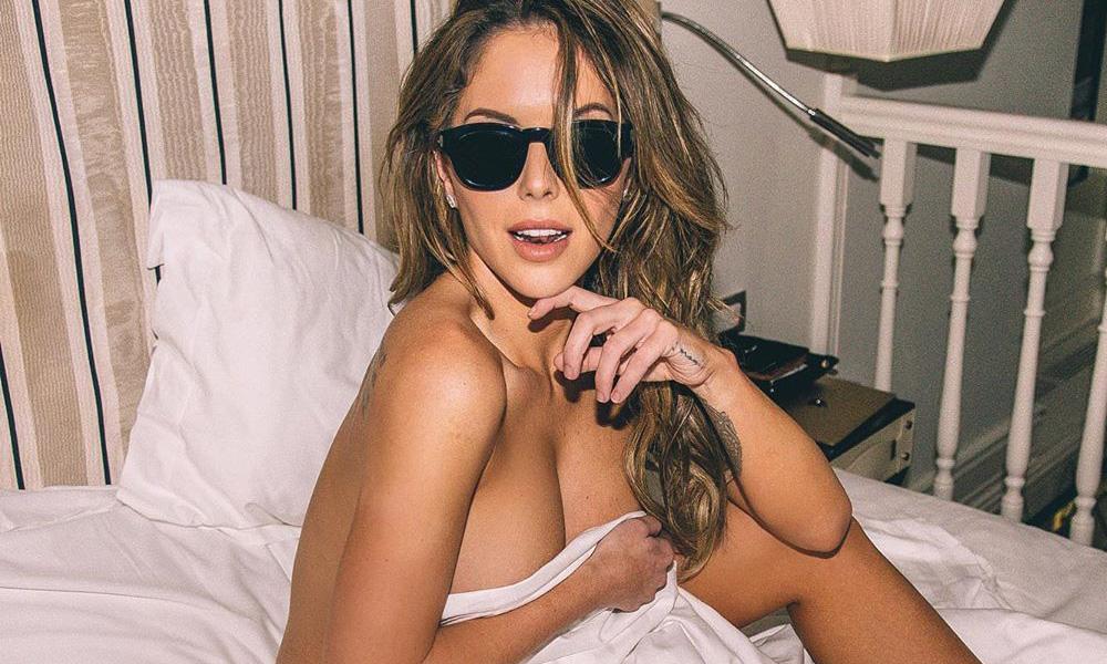 Brittney Palmer Bedroom Instagram Quarantine Hotness