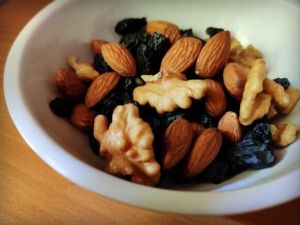 Eat Healthy Fats to Get Rid of Love Handles & Side Fat - Fitness HN