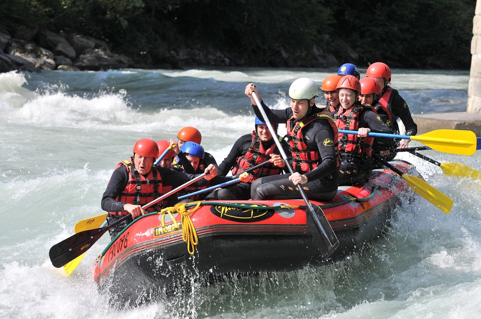 Wildwasser-Rafting und Canyoning