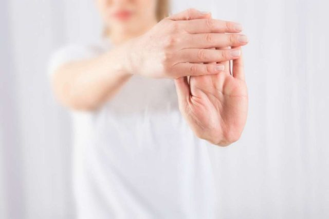 Extended arm wrist-stretch