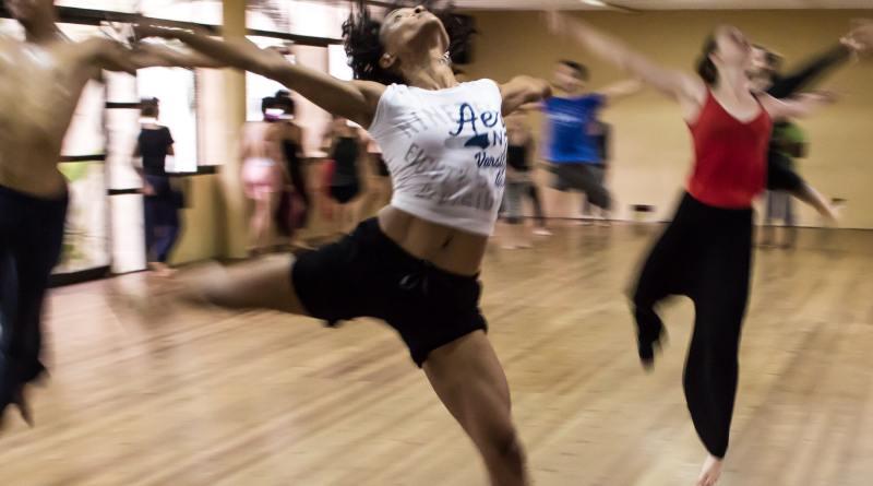 Coach Dance Dancing