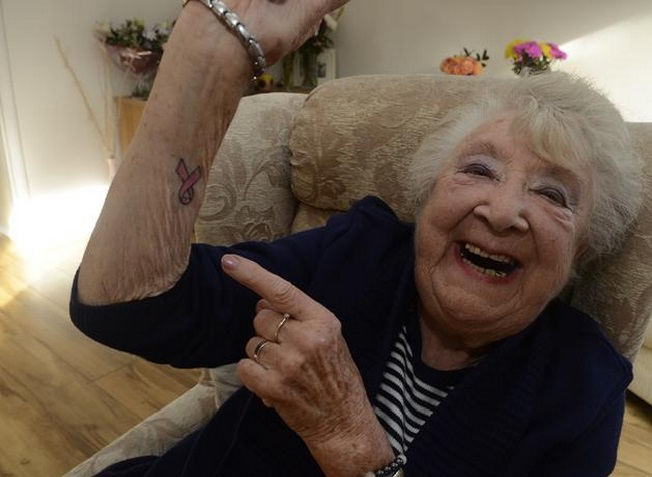 Tattoo Oma Voor 90e Verjaardag