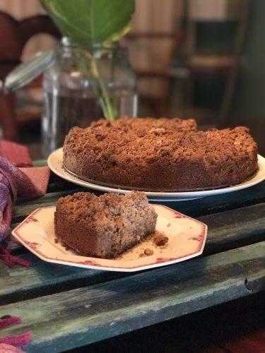 a low carb Keto sour cream cinnamon coffee cake