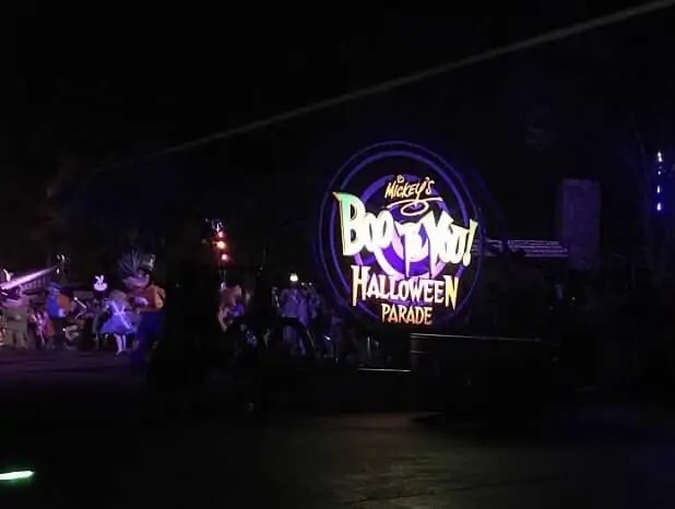 5 Reasons We Love Mickey's Not So Scary Halloween Party