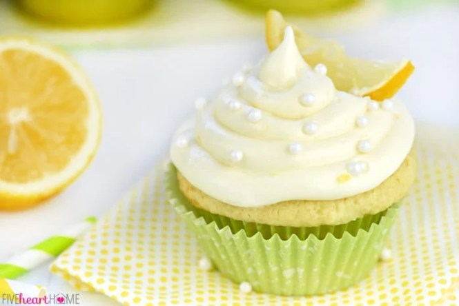 Finally A Cream Cheese Ercream Recipe That Tastes Amazing And Is Le For Piping Decorations Icings Cakes Icing Cupcakes