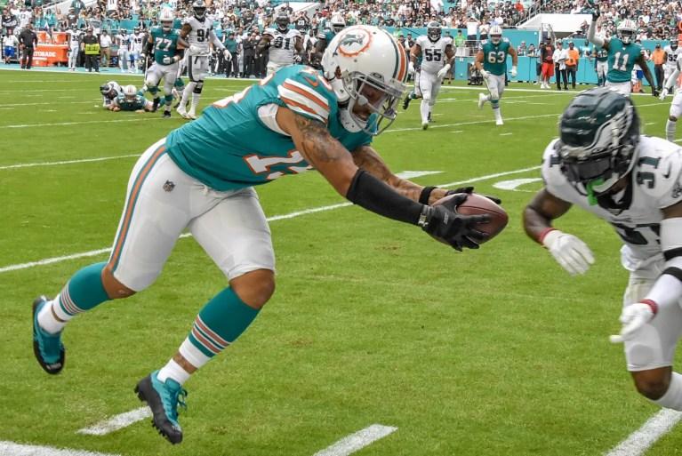 Fitzpatrick, Parker, Gesicki tank-proof as Dolphins stun Eagles