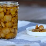 How to Make Garlic Confit in a Crockpot