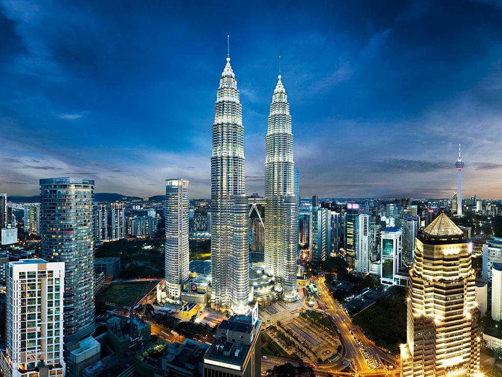 Petronas-Towers-in-Kuala-Lumpur-Malaysia
