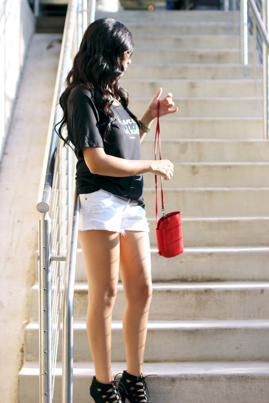 FIXIN-TO-THRILL-LE-MOTTO-ATX-AUSTIN-STYLE-BLOG-SKINNY-SHORTS-SANDALS-SHIRTS-WORDS-EMPOWERMENT-SPONSORED-TRENDS-FW15-TRENDY-CHIC-GLAM-FASHION-TEXAS-BLACK-8