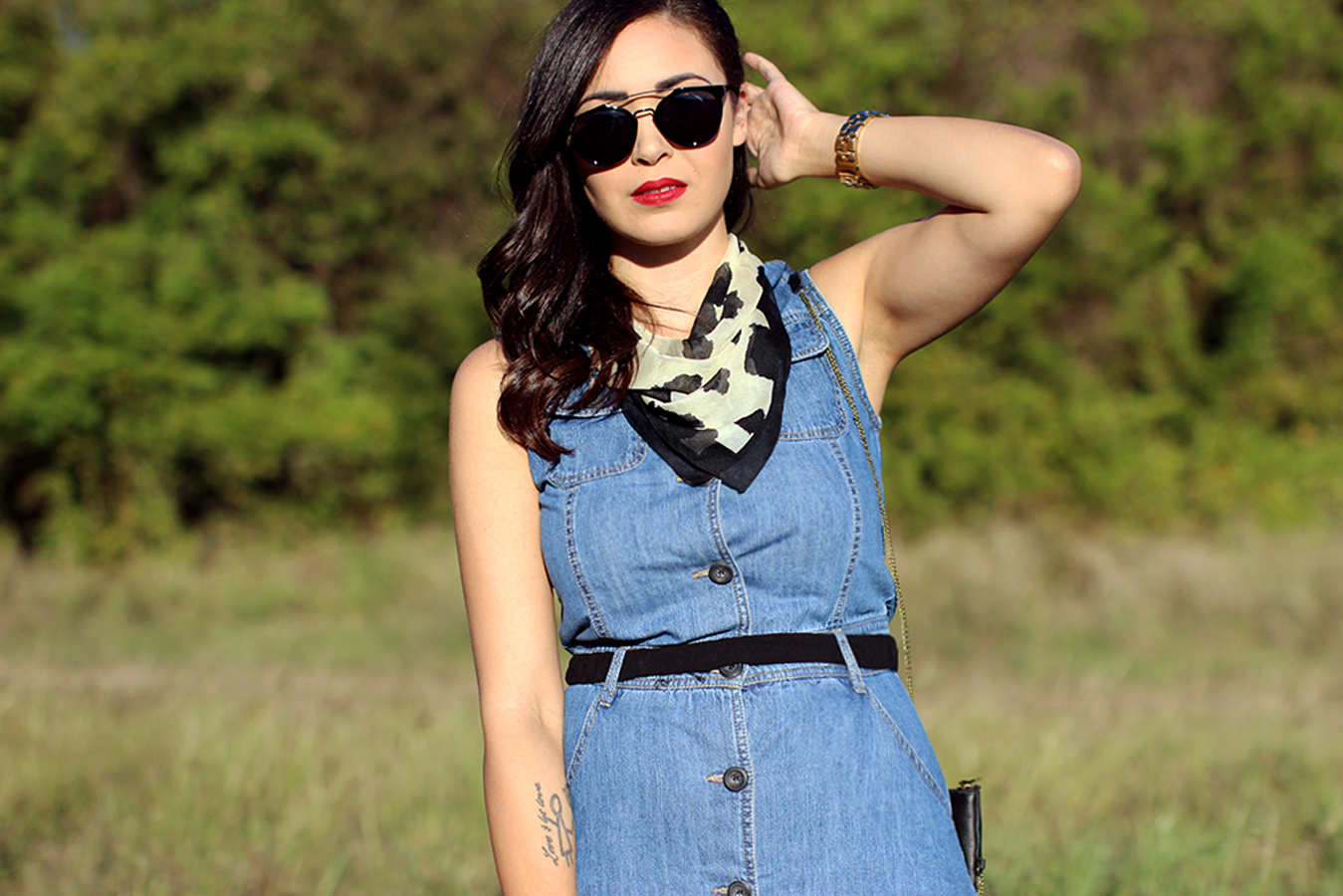 FIXIN-TO-THRILL-PINK-SILVER-FASHION-DENIM-DRESS-STRAPPY-HEELS-TREND-FALL-OCTOBER-ATX-AUSTIN-STYLE-BLOG-FW15-TRENDY-CHIC-GLAM-TEXAS-5