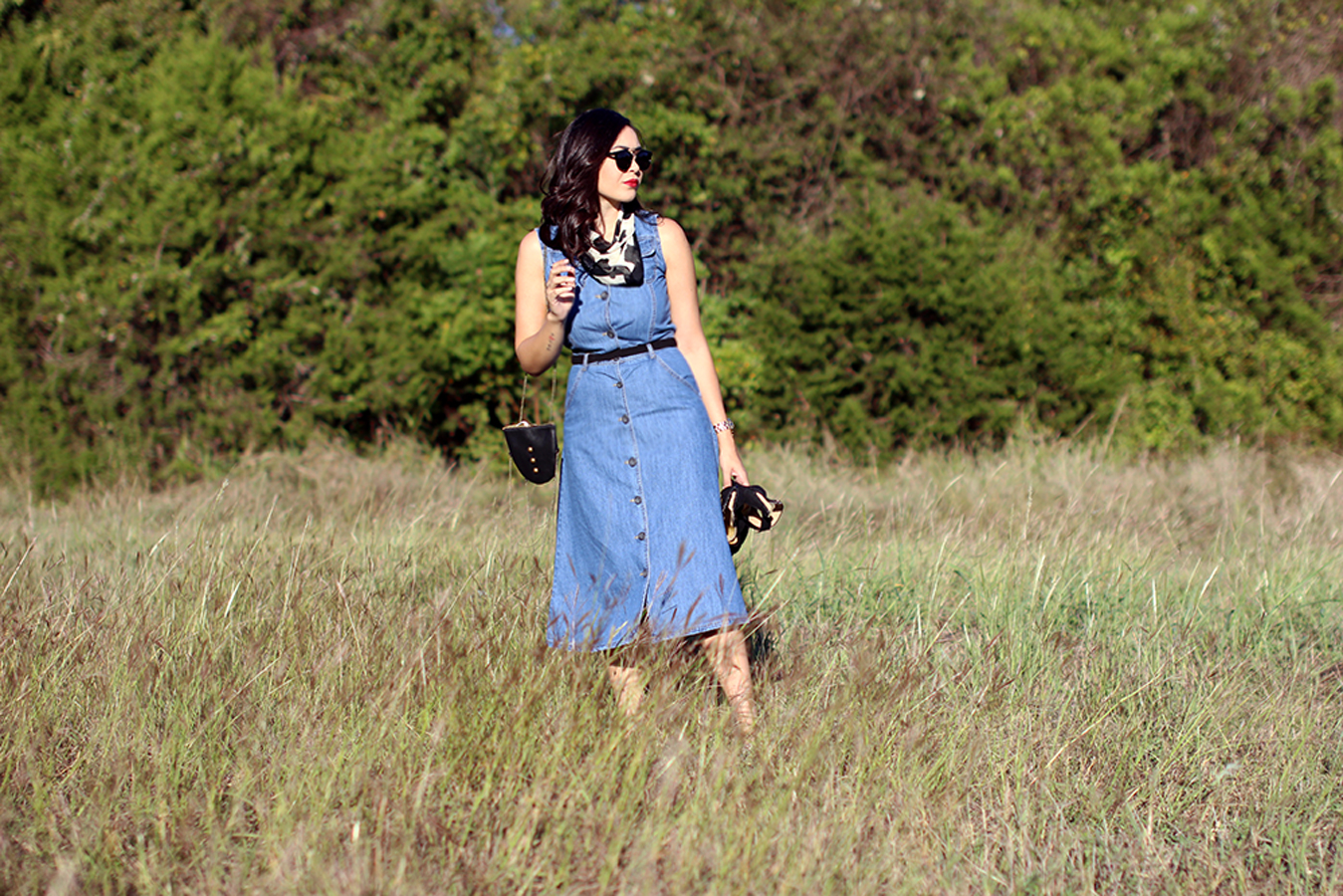 FIXIN-TO-THRILL-PINK-SILVER-FASHION-DENIM-DRESS-STRAPPY-HEELS-TREND-FALL-OCTOBER-ATX-AUSTIN-STYLE-BLOG-FW15-TRENDY-CHIC-GLAM-TEXAS-7