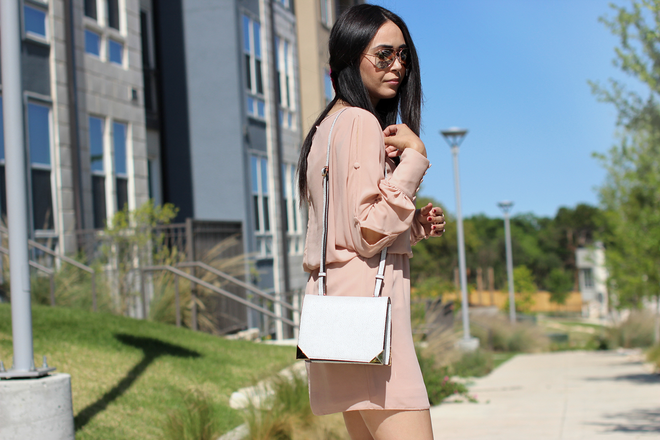 FTT-BLUSH-DRESS-NUDE-HEELS-MELIE-BIANCO-AUSTIN-FASHION-BLOGGER-5