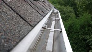 Gutter Cleaning & Repair Handyman - Fix It!® MA Metro West