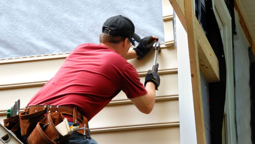 Soffit Fascia Amp Siding Repair Handyman Fix It 174 Ma