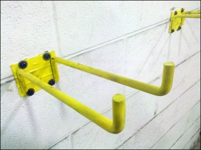 Double Arm Utility Hook Theft in Warehouse