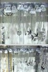 Saddle-Mount Flat Bar Jewelry Fixturing