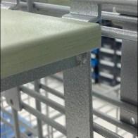 Cantilever Grid Shoe Platforms Closeup