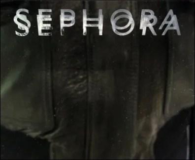 Sephora Mirror Logo Closeup