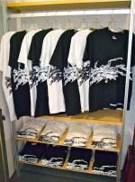 Positive-&-Negative Stepped T-Shirts