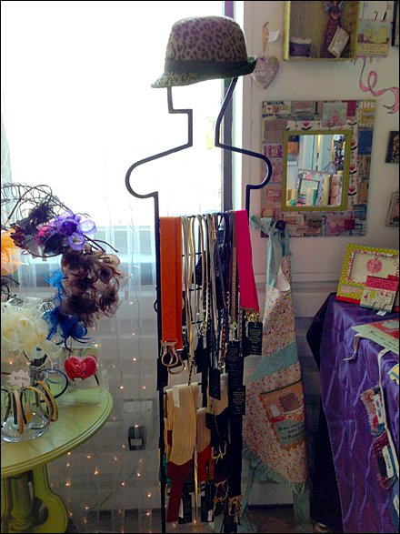 Hatted Belt Display Main
