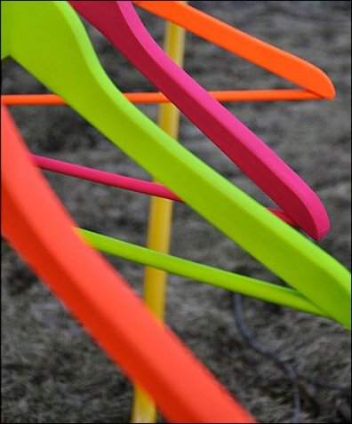 Spray Painted Clothes Hanger via divaaniblogit.fi