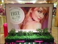 Topiary Signage Victoria's Secret 2a