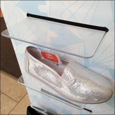 Air Walk Shoe Ledge Aux