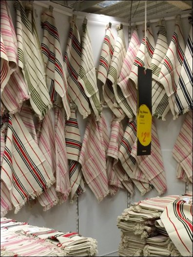 IKEA Throw Rug Corner Closeup 2