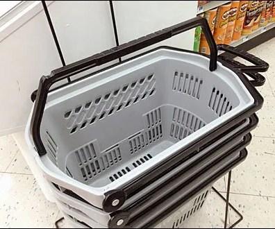ShoppingBasket Features Wheels