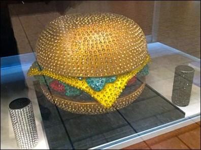 Hunger for Rhuinstone Hamburger Main'